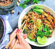 Makaron udon z tofu i warzywami