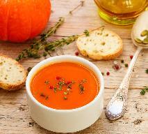 Zupa krem z dyni pieczonej i pomidorów: przepis na jesień