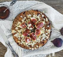 Figowo-migdałowa rozkosz z kokosowo-miodową glazurą