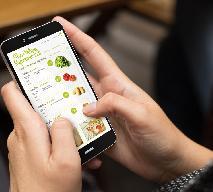 Świąteczne zakupy w aplikacji mobilnej: jak i gdzie zamawiać sprawunki spożywcze na święta?