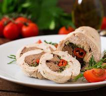 Dietetyczne roladki z piersi kurczaka nadziewane wątróbką: efektowne, zdrowe, smaczne