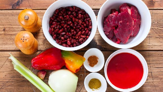 Chili con carne: przepis krok po kroku