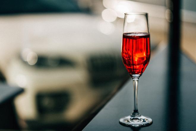 Kir Imperial: drink na bogato
