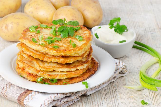 Placuszki z ziemniaków i żółtego sera - tanie i dobre danie na obiad